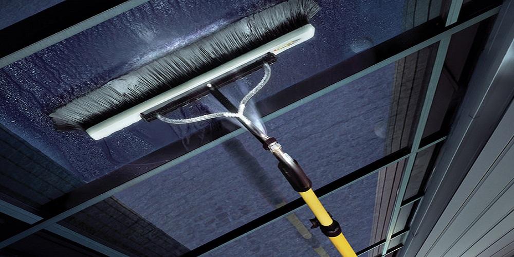 Mycie okien wodą demineralizowaną